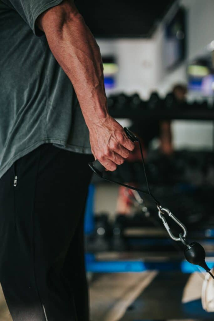 How to Keep Gaining Muscle While Losing Weight